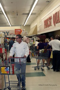 Cast Iron Chef competitiors storm Port Royal's Piggly Wiggly