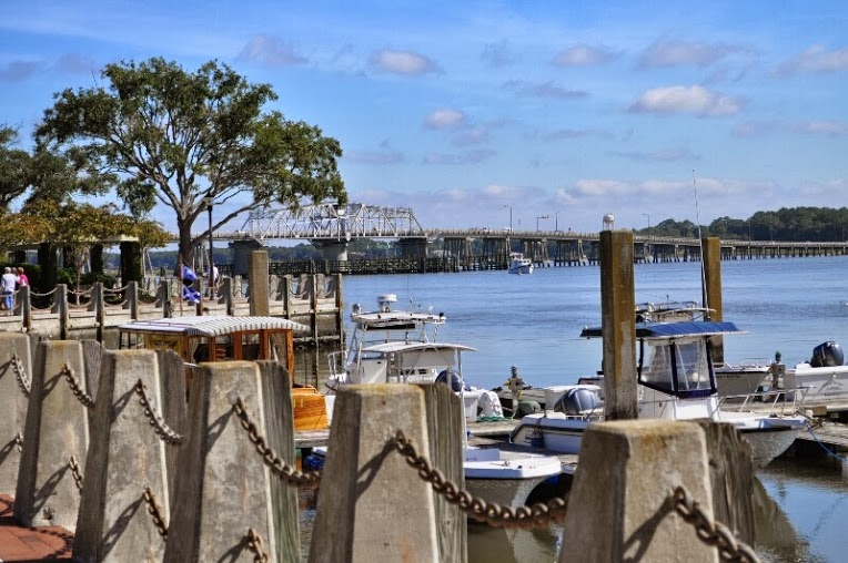 A local's guide to visiting Beaufort: With the tourist season in full swing here in our lovely town, here are some important tips for blending in... like a native. After all, nobody wants to look like a tourist while visiting Beaufort.  Photo by Dawn Ramsey