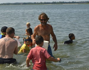 Kids discover treasure at The Sands  Photo ESPB/Christina Bland