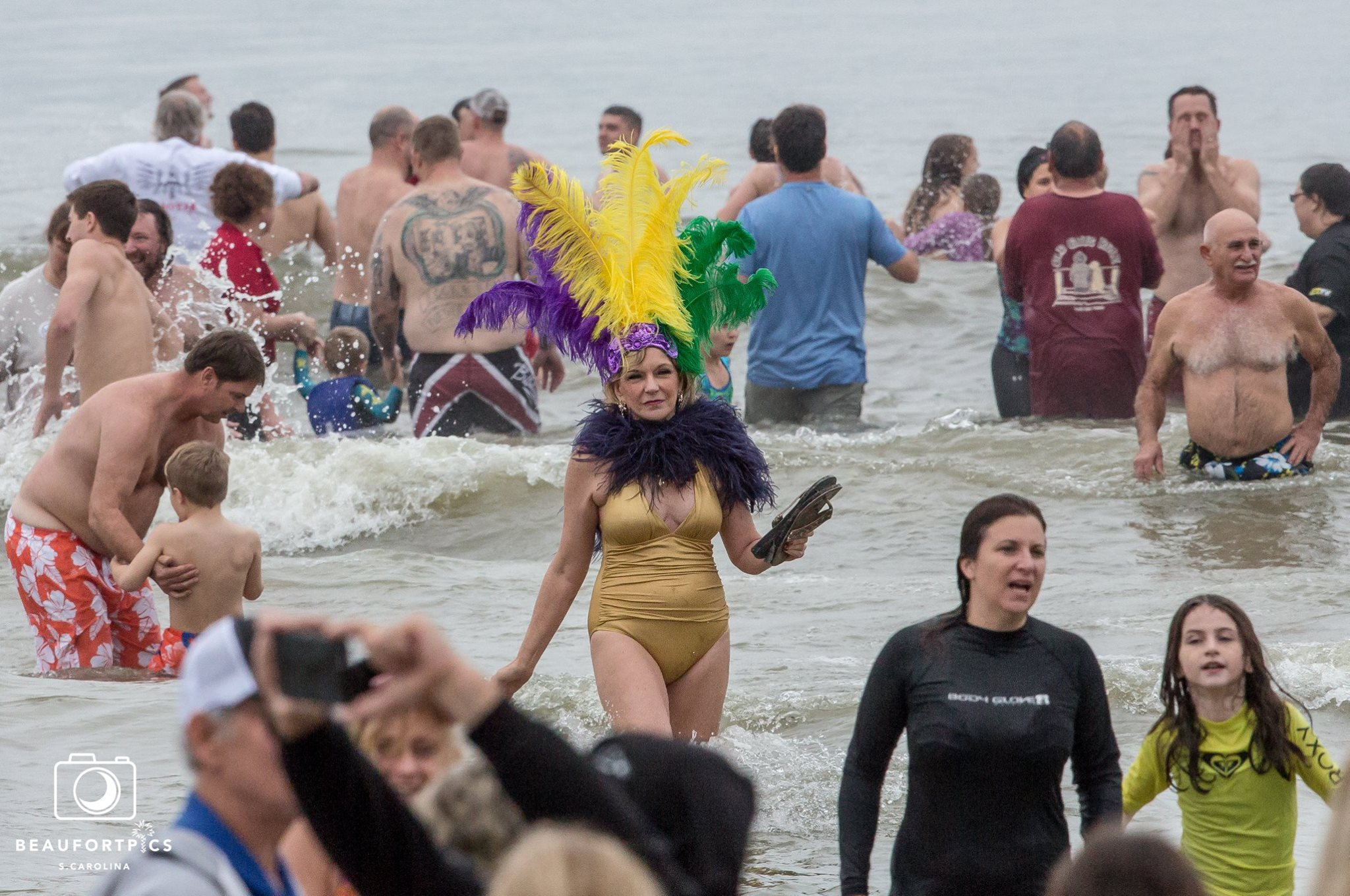 Hundreds take to the water in annual Pelican Plunge