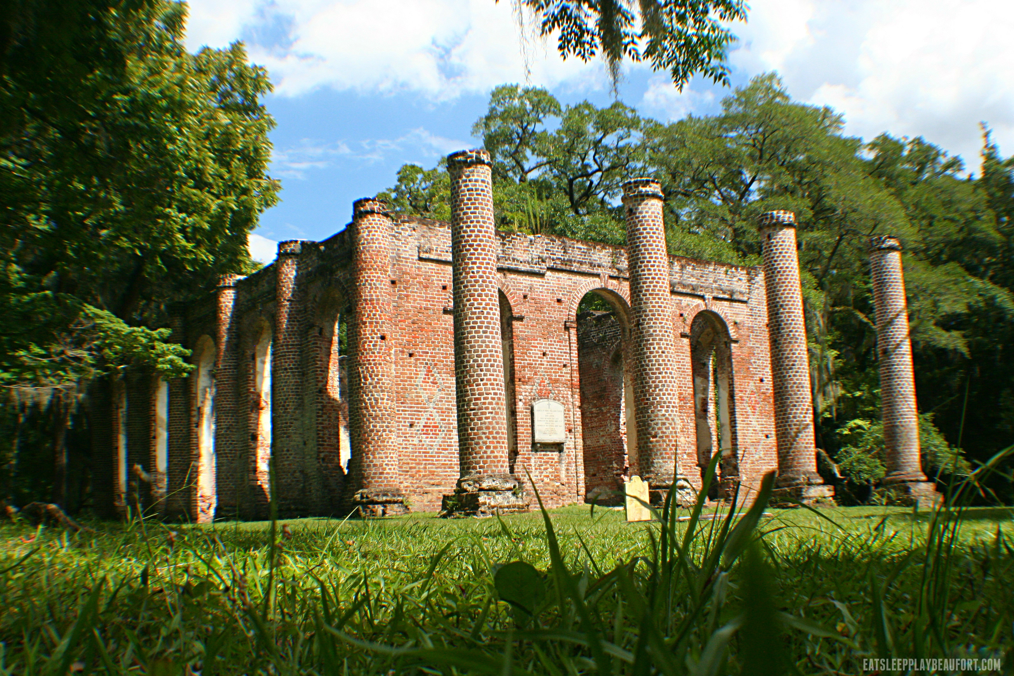 Old Sheldon Church ruins. Photo by ESPB