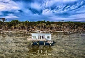 Last Cabin standing at Hunting Island. Photo TFH Photography