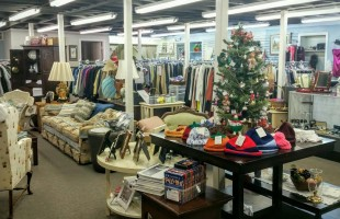 New resale shop opens, operated by all volunteer staff