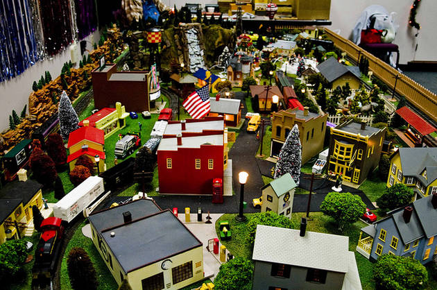 Model trains and Christmas scenes return to the Beaufort Branch Library from December 13th through the 17th. ESPB photo