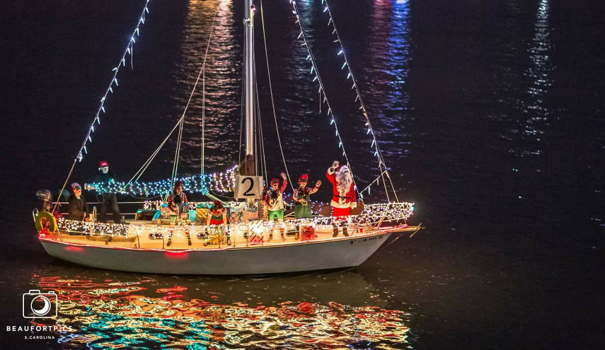 Christmas Boat.Christmas Boat Parade Lights Up The Beaufort River