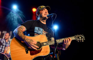 Aaron Lewis performing in 2016. Photo courtesy Loudwire.com