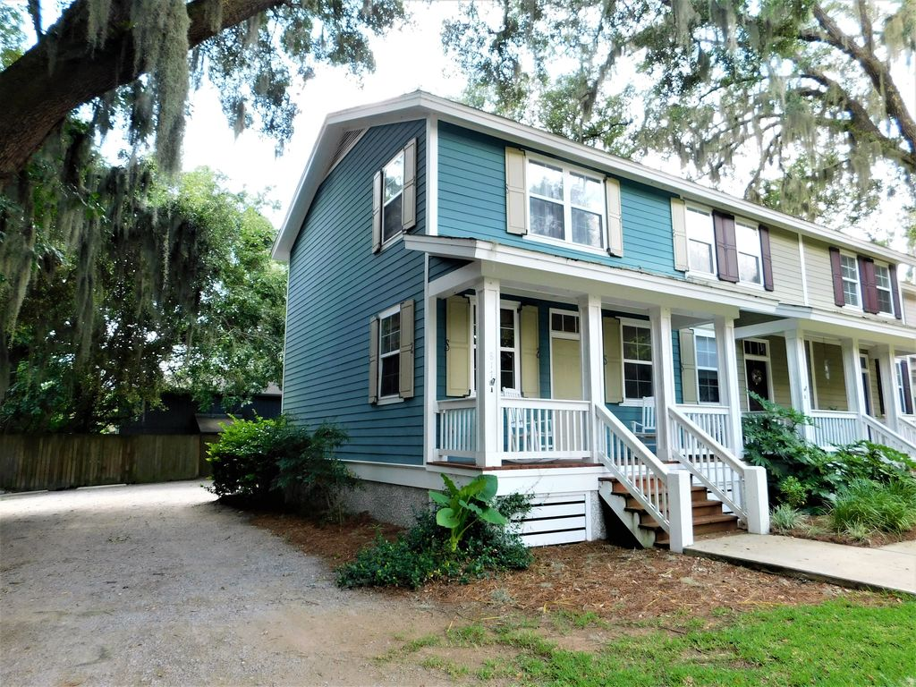 Cute as a Button Townhouse 2 Miles From Parris Island!