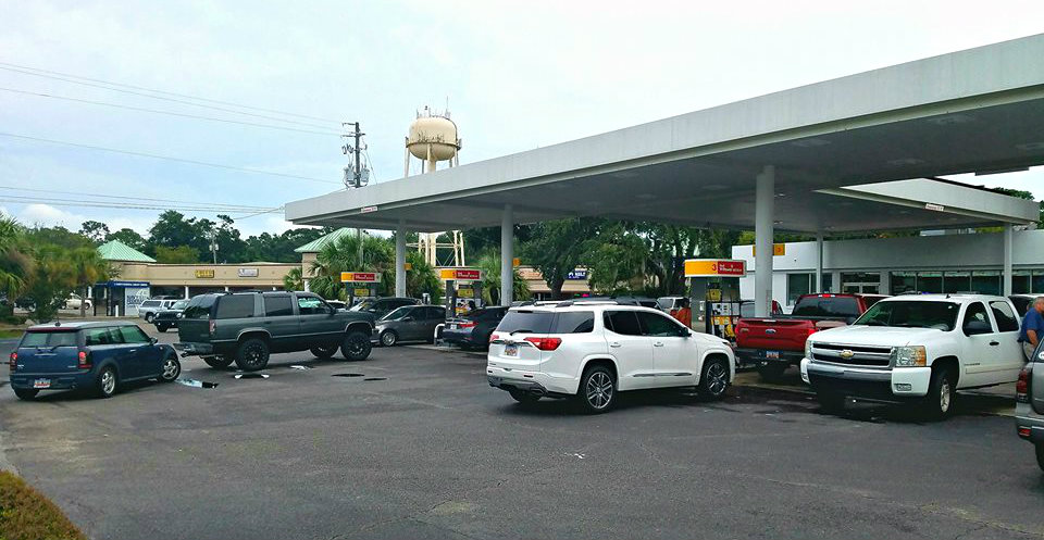 Beaufort's gas stations began getting overwhelmed on Wednesday, ESPB photo