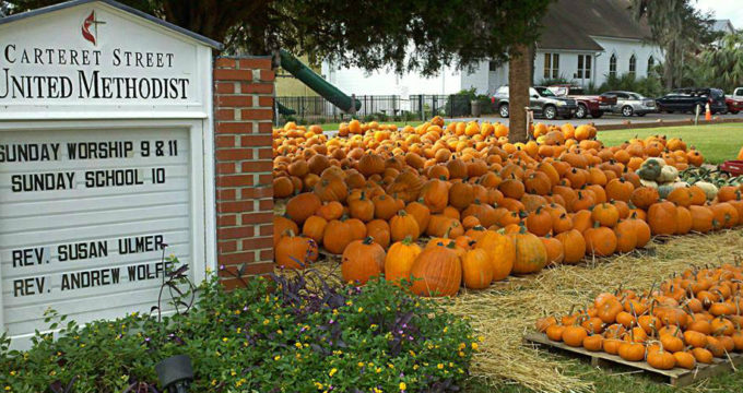 pumpkinpatchandsign11
