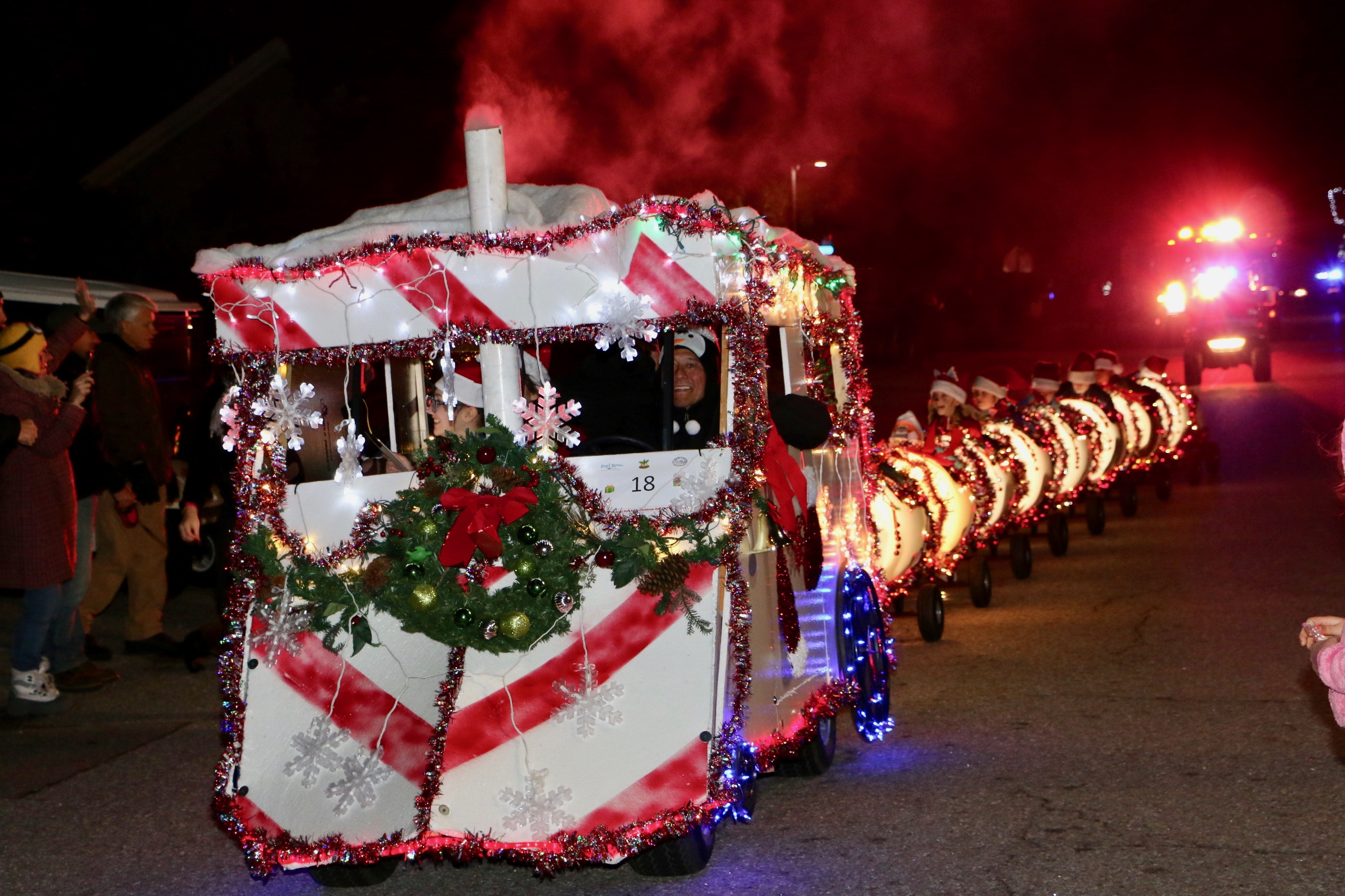 Golf Cart Christmas Decorations.Christmas Golf Cart Parade Lights Up Port Royal