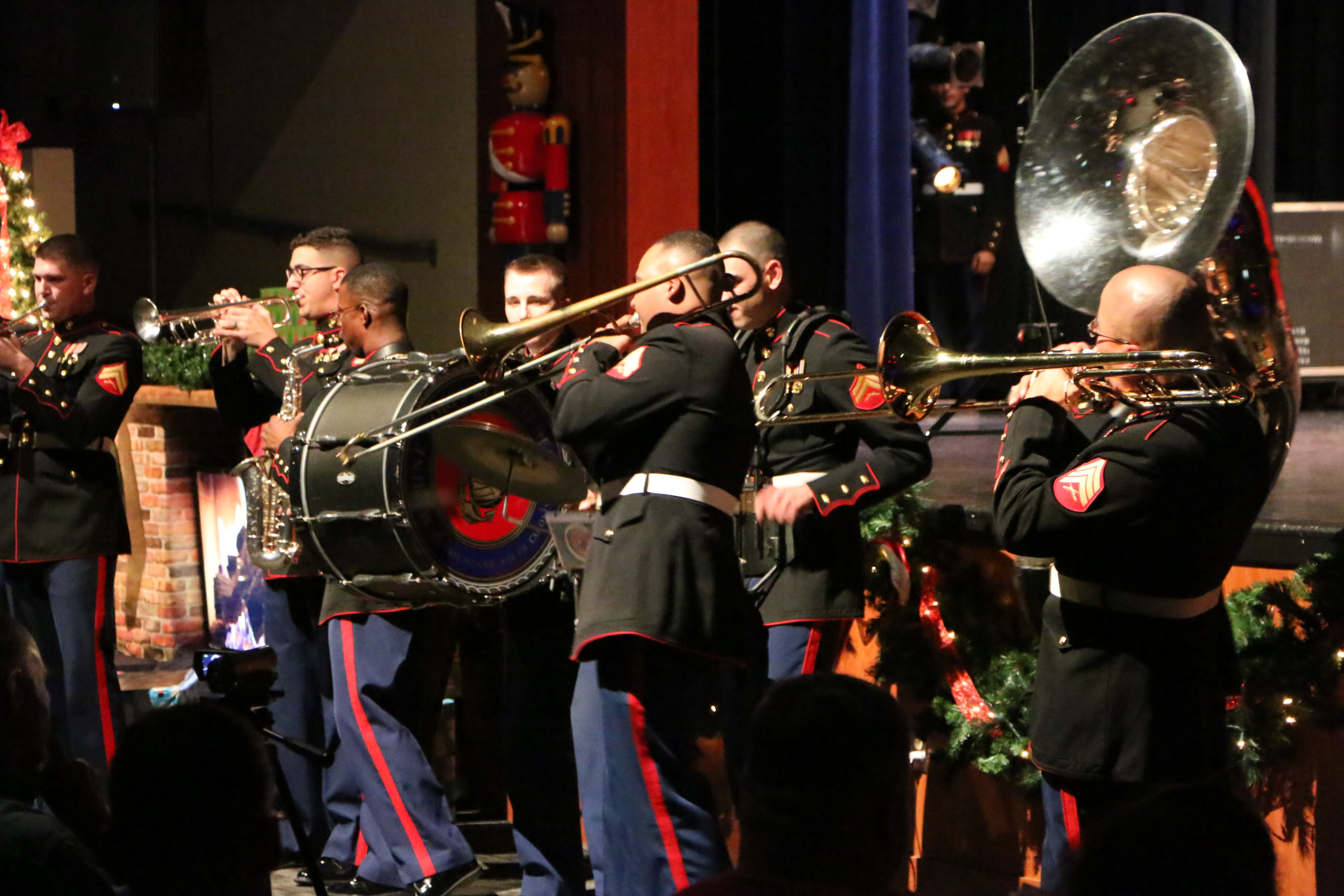 parris island band christmas concert