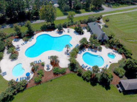 Cat Island Golf, Pool & Grill